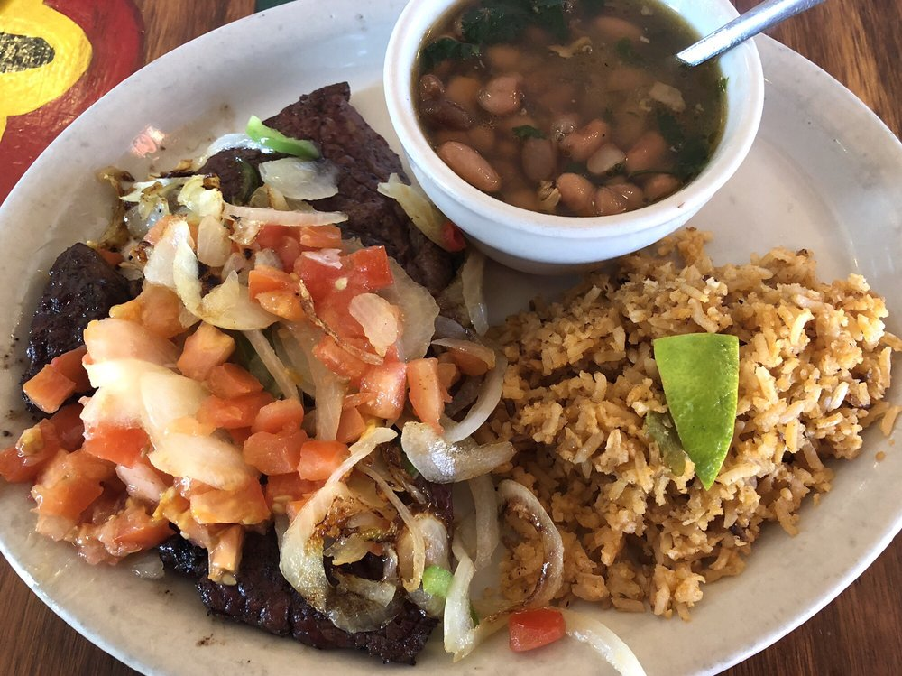 Miguelito's Mexican Restaurant: 101 Petry Pl, Carrizo Springs, TX