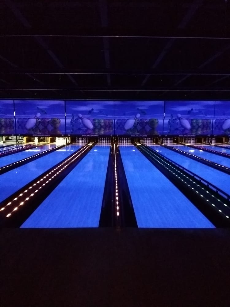 Steel Valley Bowling Lanes: 450 Elaine St, Weirton, WV