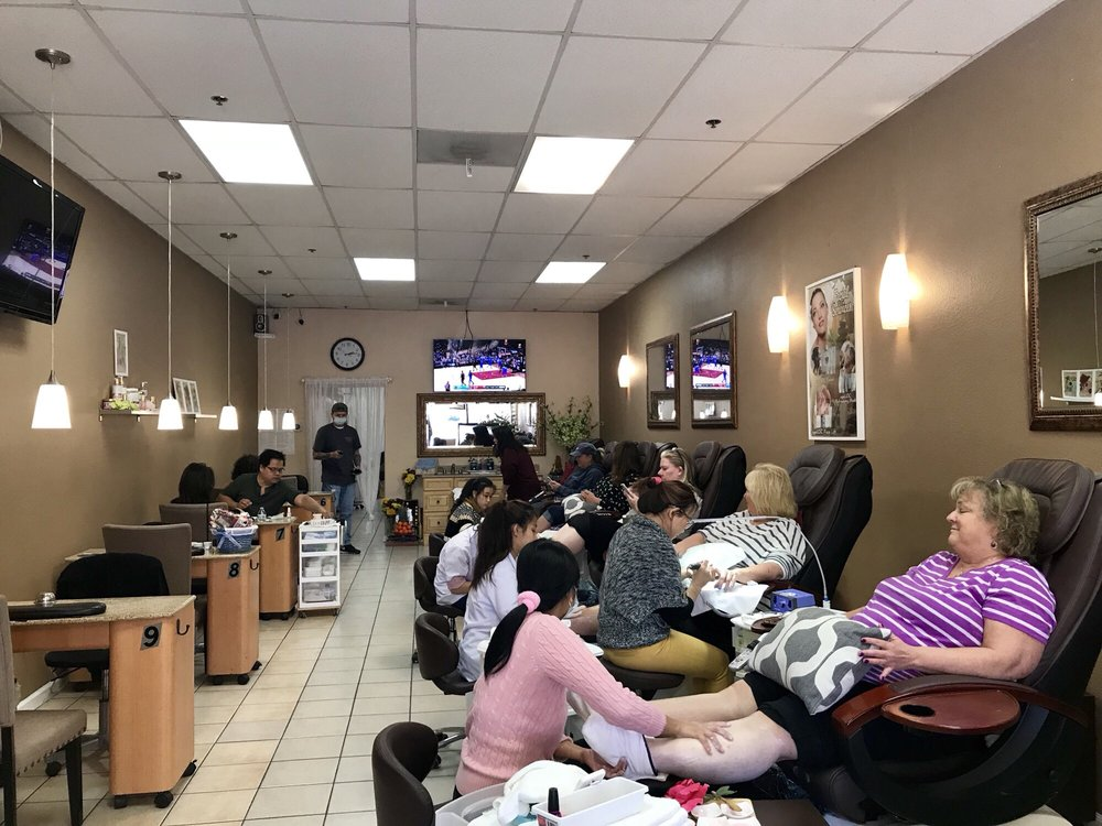 American Nails & Spa: 1696 B Moorpark Rd, Thousand Oaks, CA