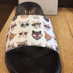 9a795305b22 DSW Designer Shoe Warehouse - 20 Photos   22 Reviews - Shoe Stores ...