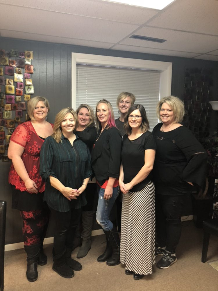 2 Blondes Salon: 125 S State St, Greenfield, IN
