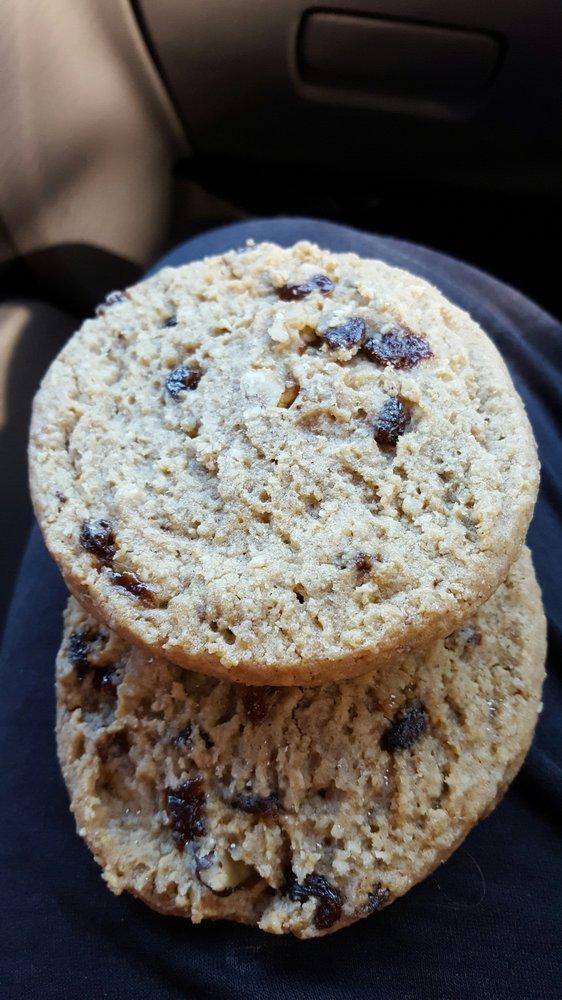 Isaacs Bakery & Deli: 121 S Broad St, Bainbridge, GA