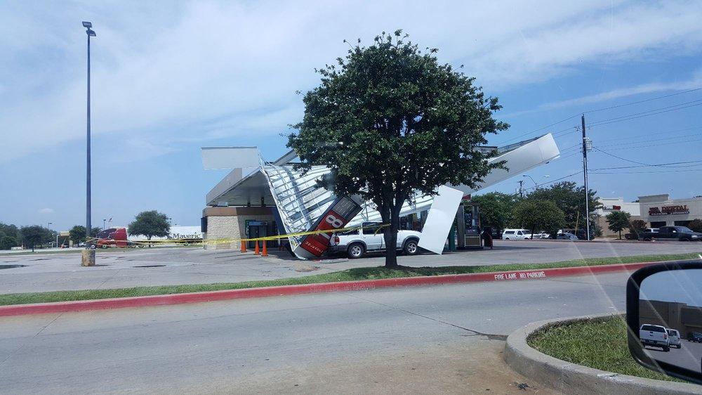 Walmart Supercenter: 12300 Lake June Rd, Balch Springs, TX