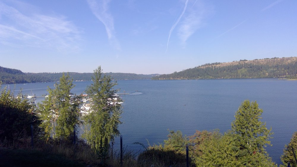 Lakeview Lodge: 110 S Coeur Dalene Ave, Harrison, ID