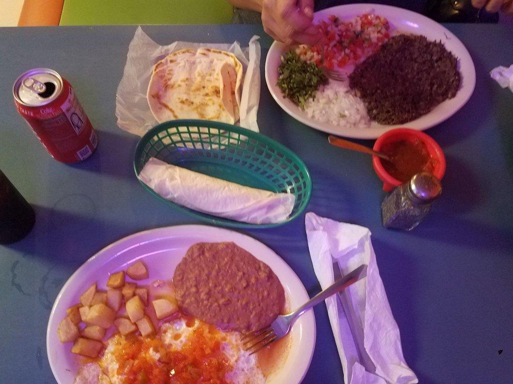 Taqueria Guadalajara: 129 Grand Ave, Bacliff, TX