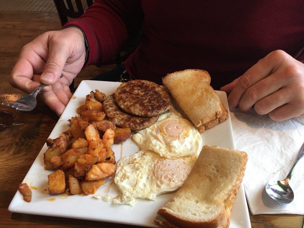Katy's Cafe: 10 A Washington St, Ellicottville, NY