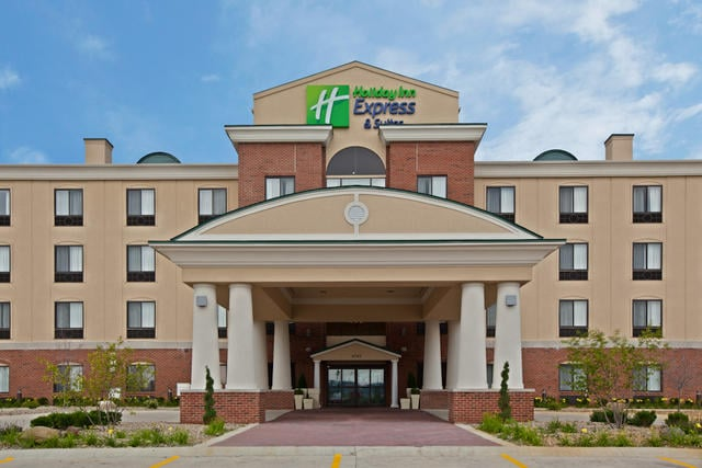 Holiday Inn Express & Suites Anderson: 6720 S Scatterfield Rd, Anderson, IN