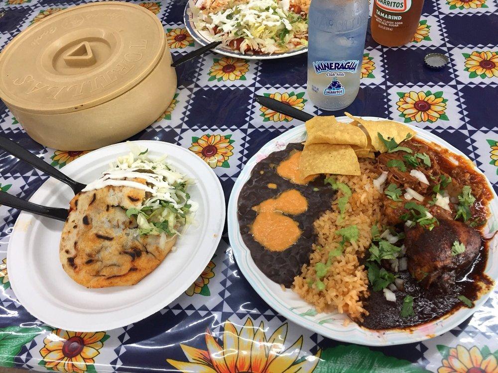 Tortilleria Y Tienda De Leon's: 16223 NE Glisan St, Portland, OR