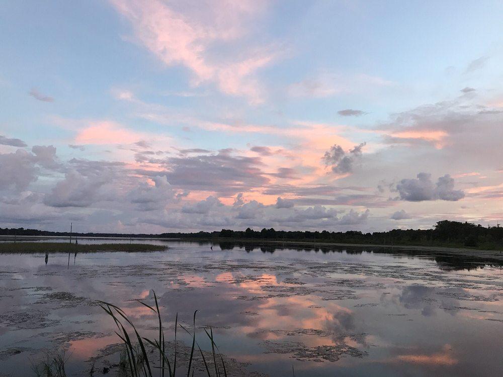 Buddy's Lakeside Park: 10050 Hwy 40 E, Inglis, FL
