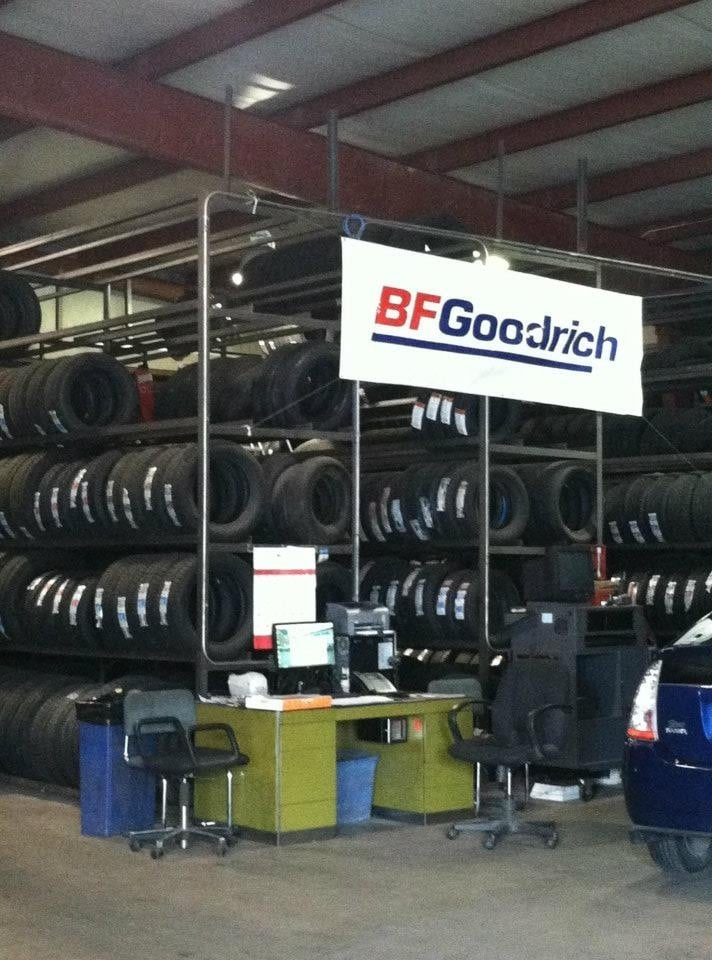 Reliable Towing Tire & Auto Center Inc: 2110 7th Ave, Altoona, PA