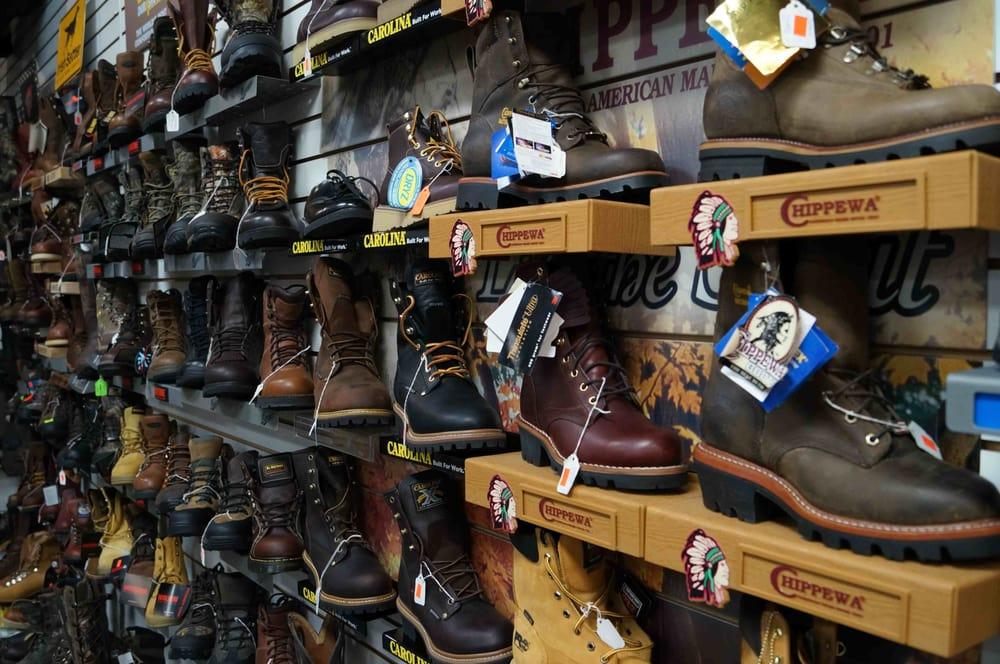 New Shoe Store Plus: 412 Grow Ave, Montrose, PA