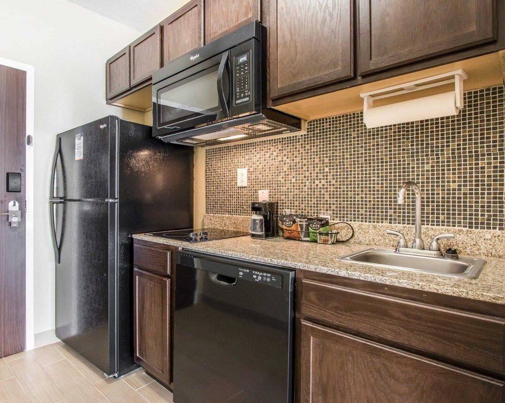 MainStay Suites - 24 Photos - Hotels - 901 1st Ave East, Meridian ...