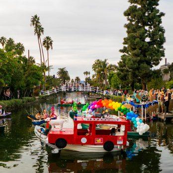 Venice Christmas Parade 2019 Venice Canals Christmas Boat Parade   50 Photos   Local Flavor