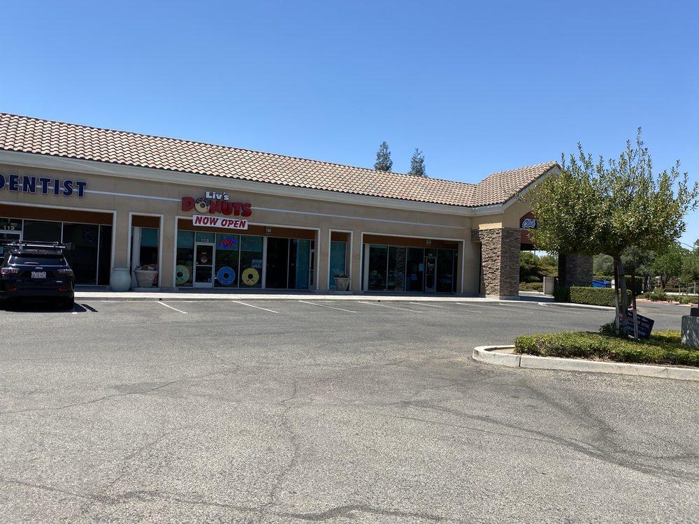 Liv's Donuts: 9525 N Sommerville Dr, Fresno, CA