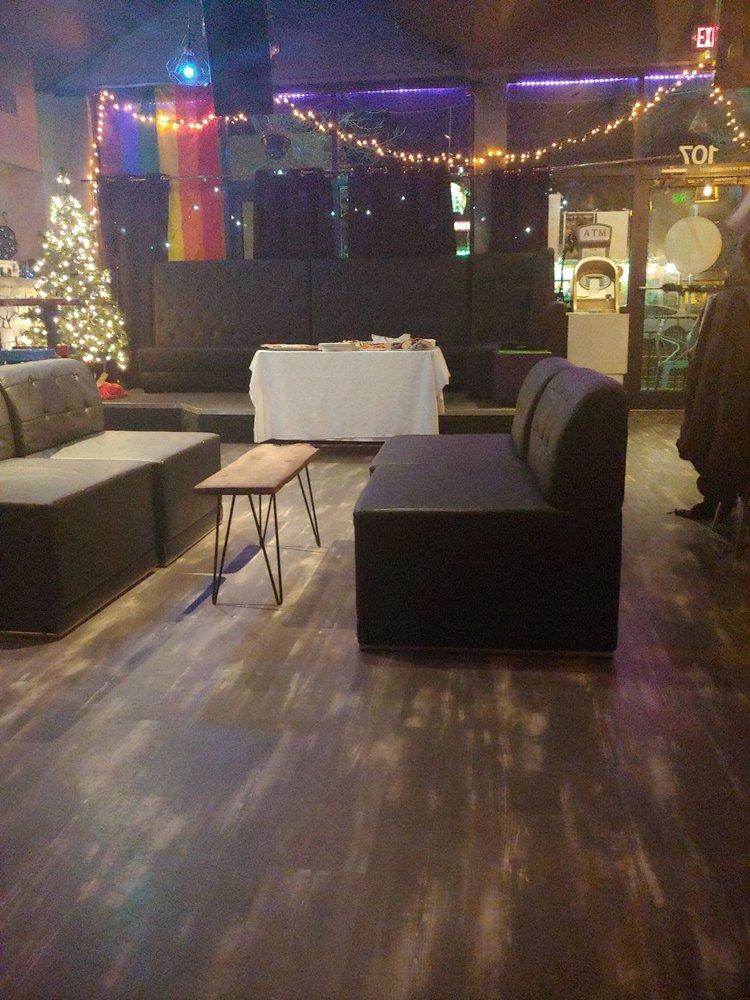 R Bar and Lounge: 107 Laurel St, Fort Collins, CO