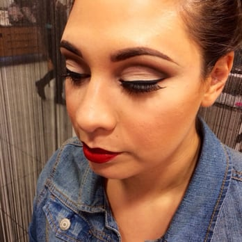Mac makeup classes