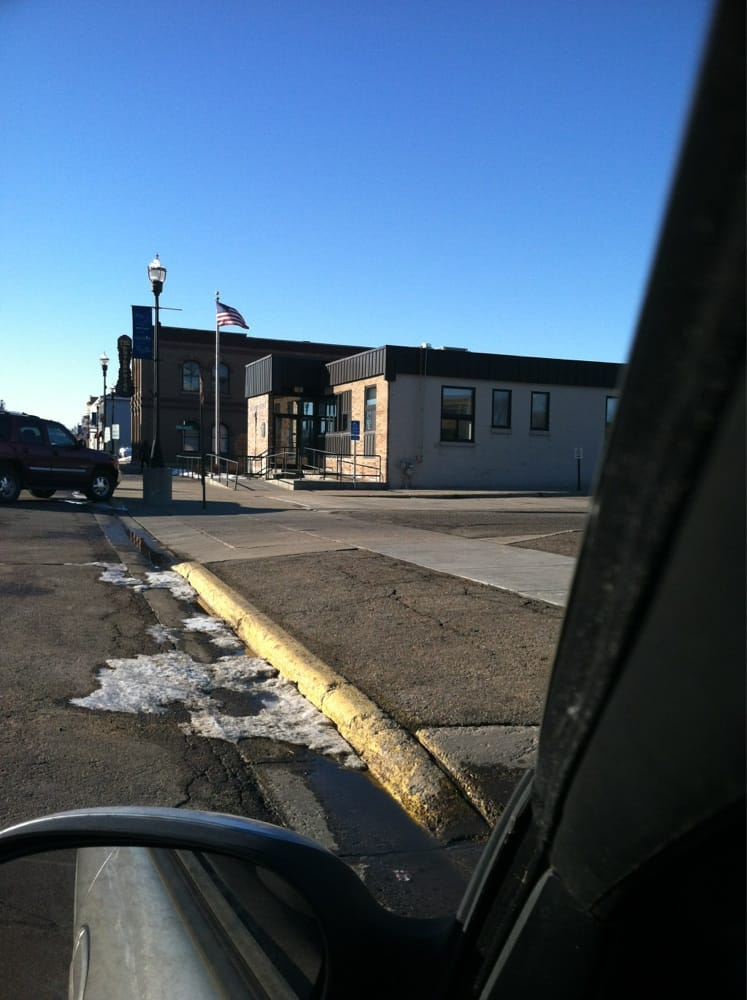 US Post Office: 905 11th St E, Glencoe, MN
