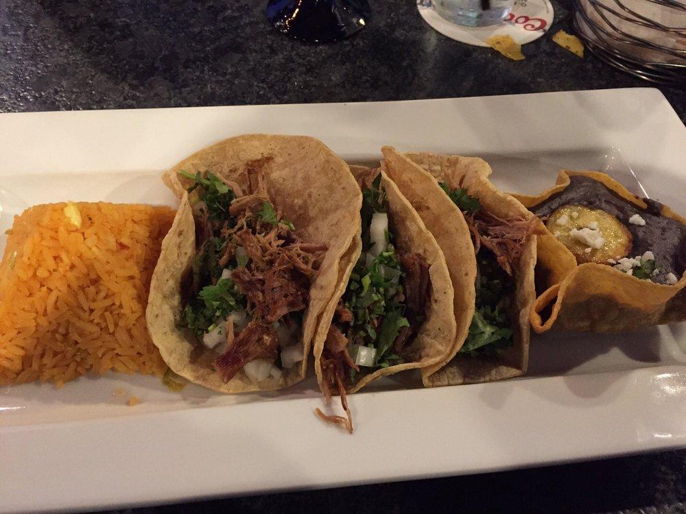 Hola Restaurante & Tequila Bar: 154 Turnpike Rd, Southborough, MA