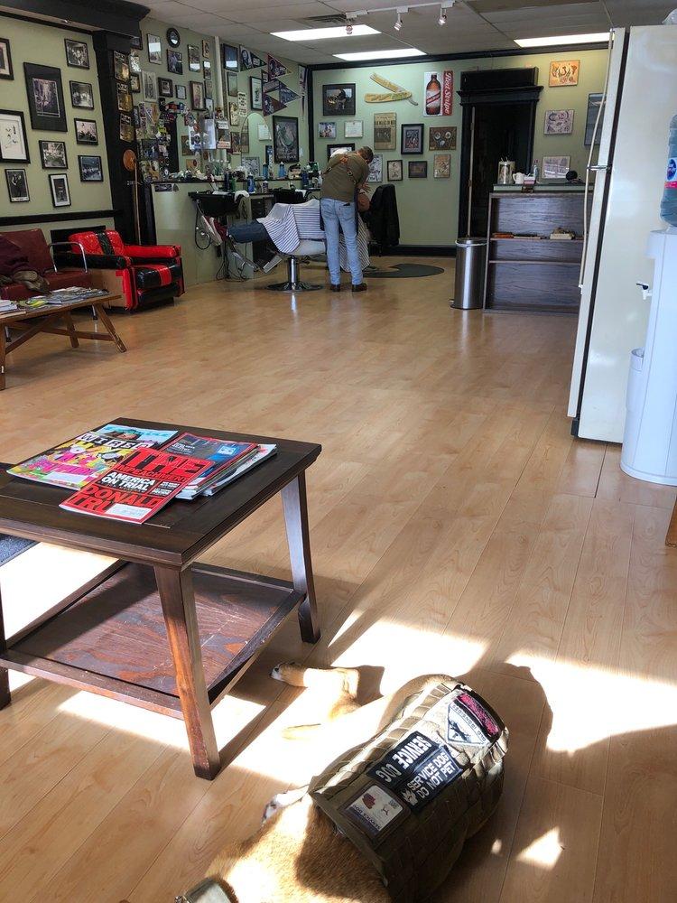 Choppers Old School Barber Shop: 631 State Hwy No 12, Flemington, NJ
