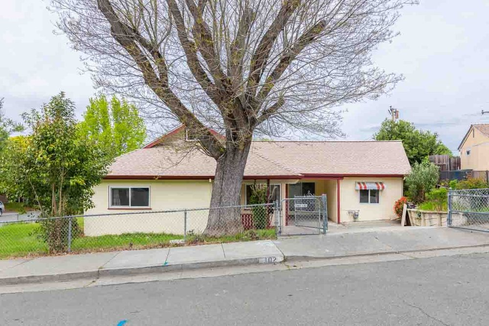 Lisa Guerin - RE/MAX Gold: 426 1st St, Benicia, CA