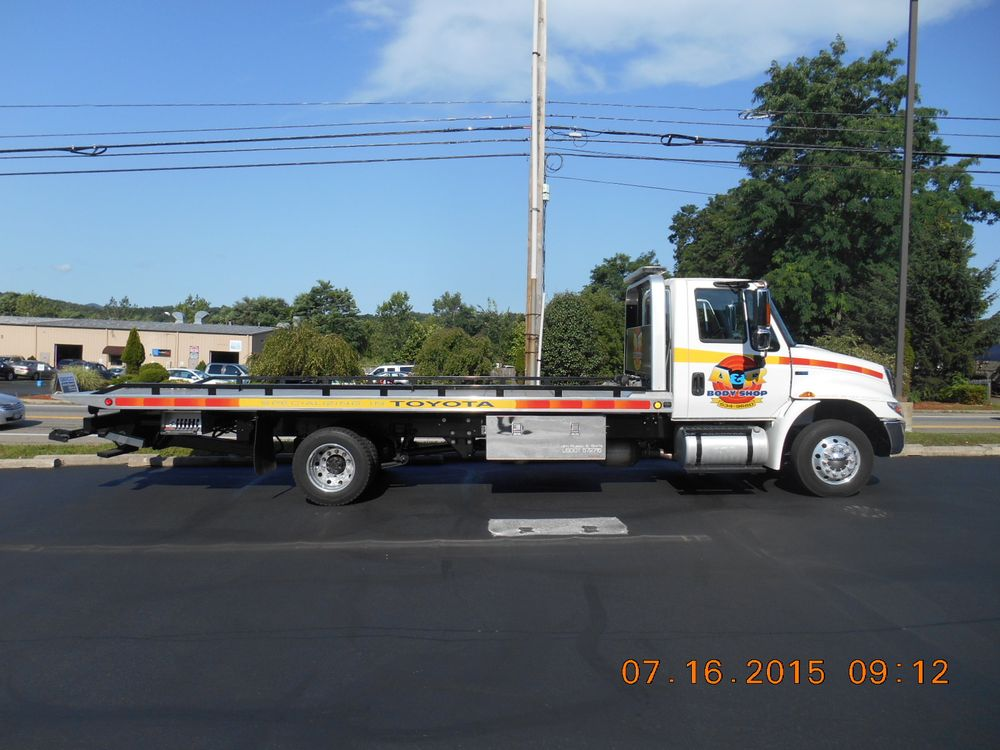 Towing business in Firthcliffe, NY