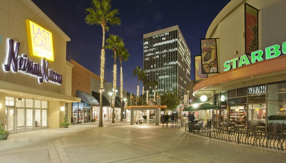 Our Anaheim outlet mall guide lists all the outlet malls in and around Anaheim, helping you locate the most convenient outlet shopping according to your location and travel plans. OutletBound has all the information you need about outlet malls near Anaheim, including mall details, stores, deals, sales, offers, events, location, directions and more.