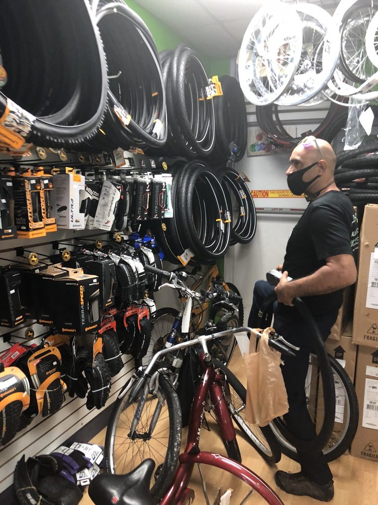 Alligator's Cycling Bicycle Shop: 10426 Taft St, Pembroke Pines, FL