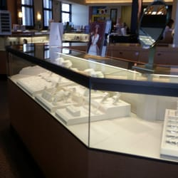 Jareds Galleria of Jewelry 13 Reviews Jewelry 300 Hylan Dr