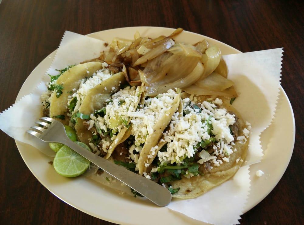 Taqueria El Cien: 31200 State Hwy 100, Los Fresnos, TX