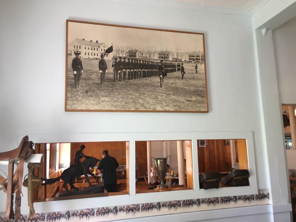 Fort Robinson Cafe: 3200 US 20, Crawford, NE