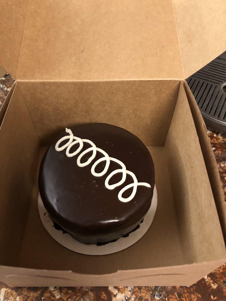 Sweet To Eat Bakery and Cake Shop: 1802 N Ankeny Blvd, Ankeny, IA