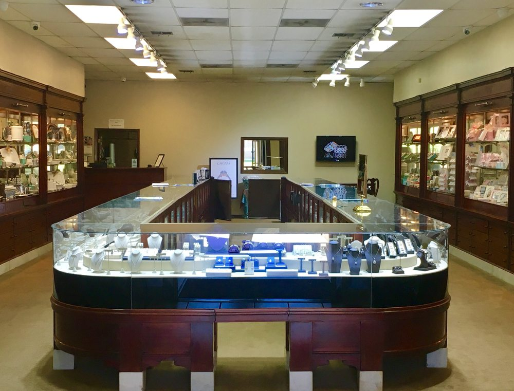 Steve's Jewelry: 109 E Madison Ave, Bastrop, LA