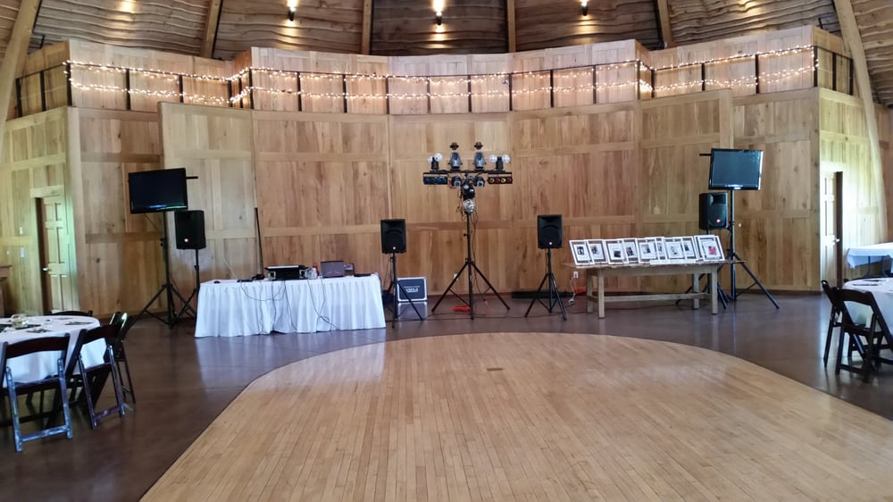 Big B DJ Services: Rock Island, IL
