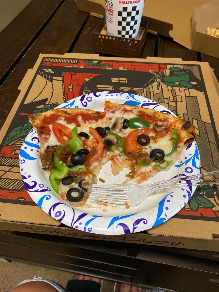 Food from Pizza Mio