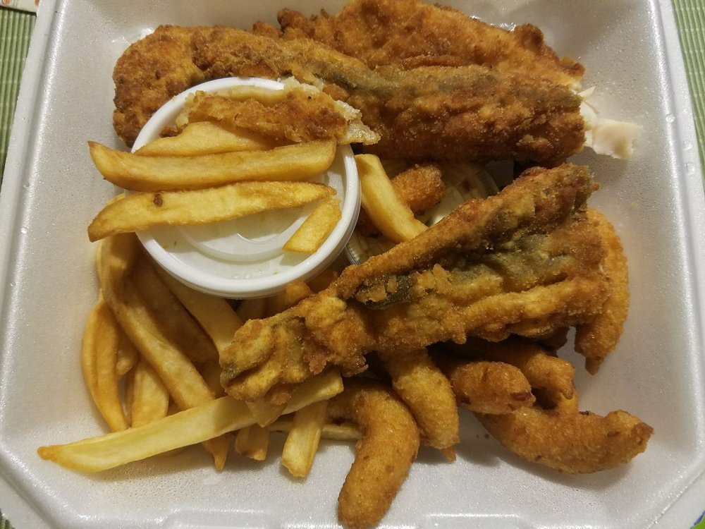 220 Seafood: 1812 N Garnett St, Henderson, NC