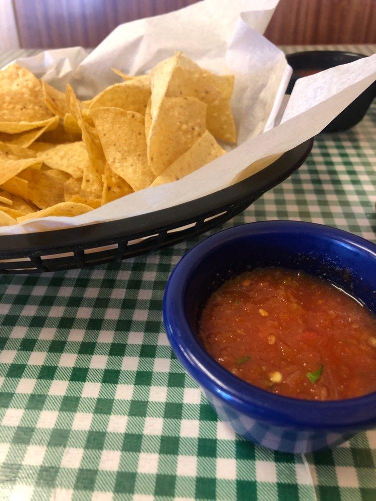 Rio Verde Mexican Restaurant: 400 E Main St, Clarksville, TX