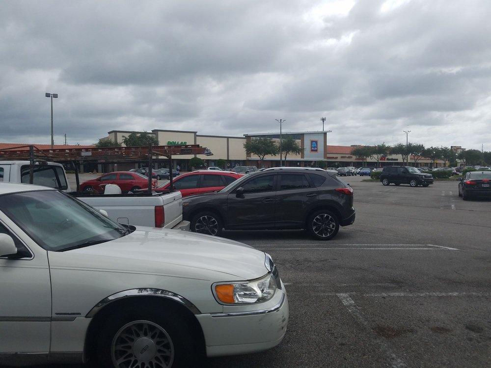 Aloma Square: 6836 Aloma Ave, Winter Park, FL