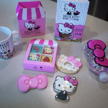 Hello Kitty Cafe Truck Review