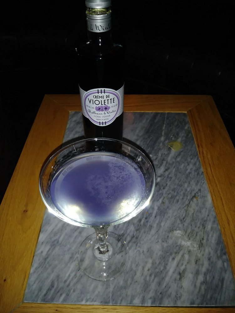 Drunkwagon: 6914 Pine Ave, Bell, CA
