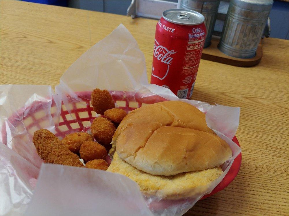 Smitty's Restaurant: 14 Benton Ave W, Albia, IA