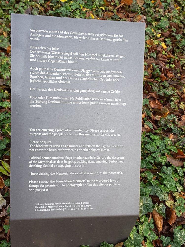 Denkmal für die im Nationalsozialismus ermordeten Sinti und Roma ...