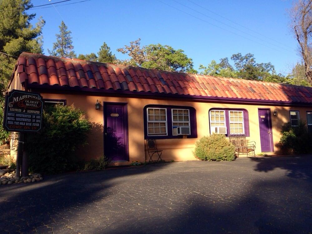 River Rock Inn And Deli Garden Cafe