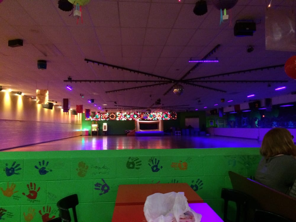 Skateland Rollersport: 1700 W Main St, Fairfield, IL