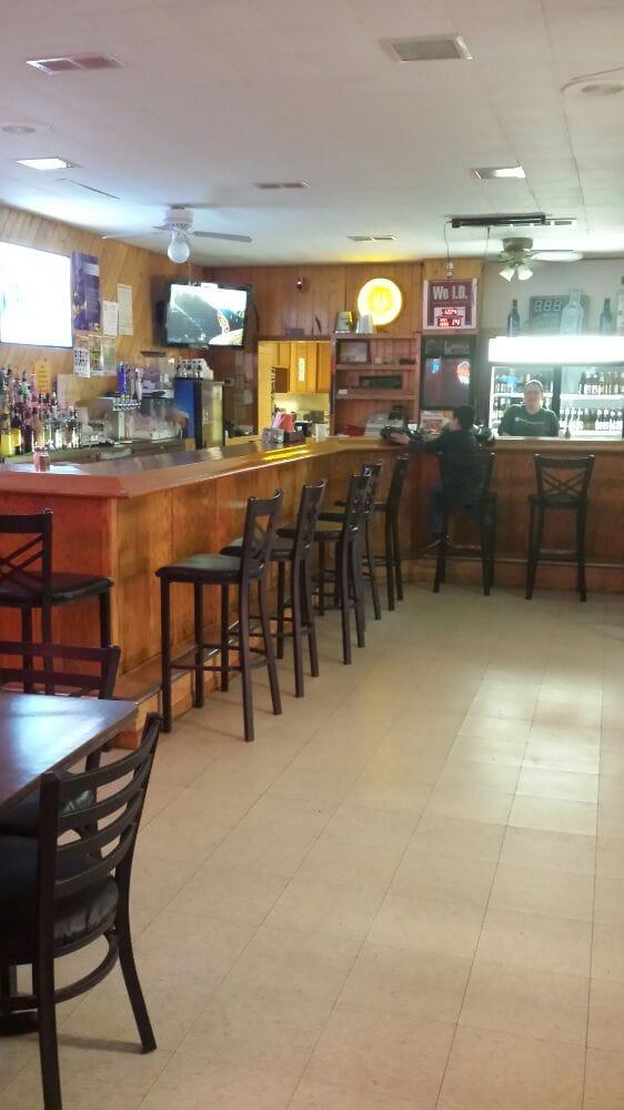 Side Street Bar N Grill: 103 Lincoln Ave NE, Fertile, MN