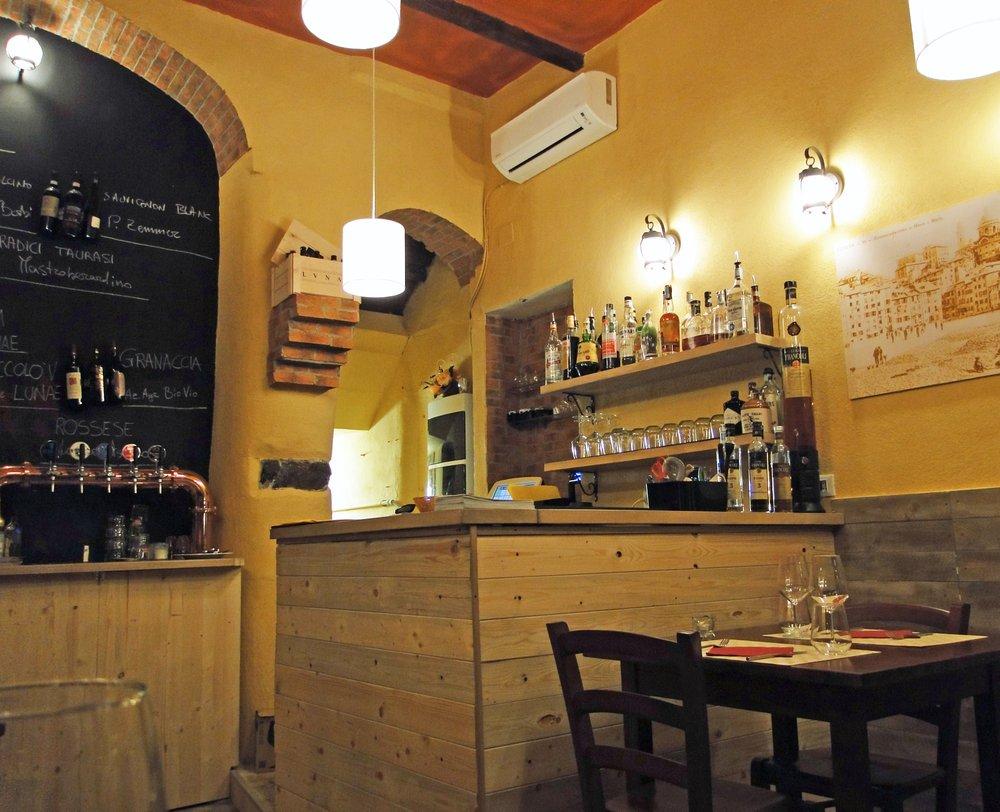 Antica osteria ravecca cucina ligure via di ravecca 29 for Cucina 9 genova