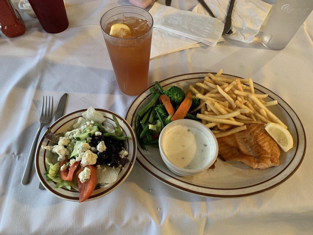 Ranchos Cafe: 37193 Ave 12, Madera, CA