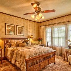 Photo Of Sweet Autumn Inn Lake Mills Wi United States Everson Room