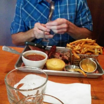 Russell street bar b que 315 photos 605 reviews bbq for Elite food bar 325 east 48th street