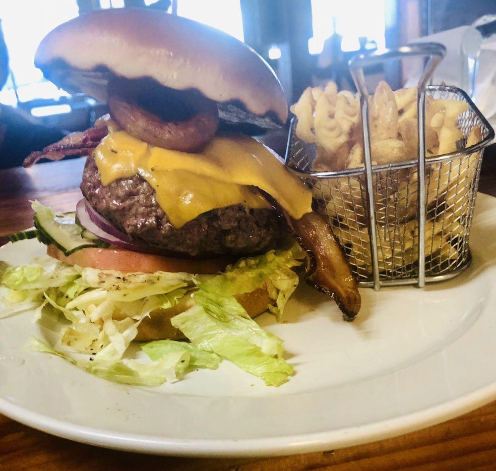 Hansen's Grill: 560 E Main St, Blue Ridge, GA
