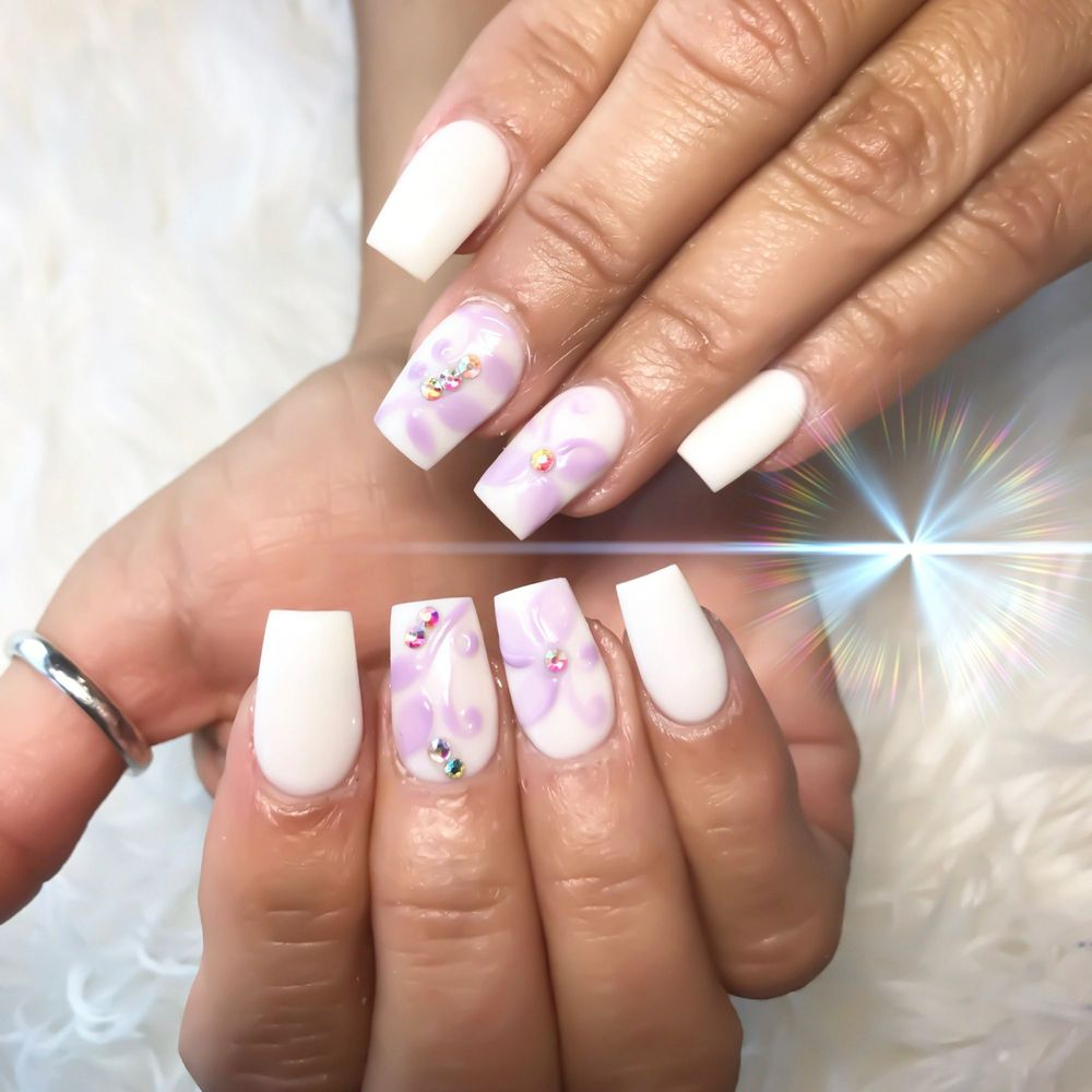 Once again my nail artist Stacy outdid herself. Very elegant and ...